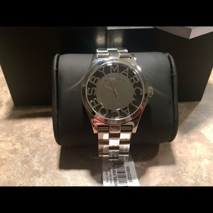 New Marc Jacobs Silver-Tone Ladies Wrist Watch